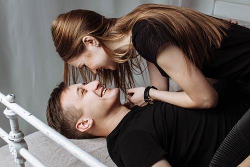 相恋多年TA迟迟不提结婚?成都遇上想遇给婚恋网网友如此建议